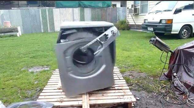 nur wieder einmal eine waschmaschine und ein ziegelstein pottwalblog. Black Bedroom Furniture Sets. Home Design Ideas